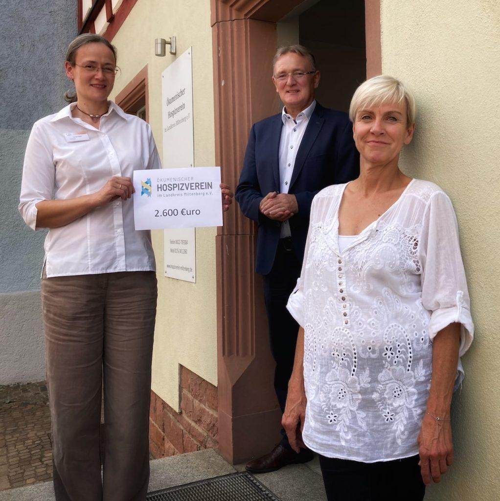 von links: 2. Vorsitzende Carmen Raloff / Bertold Rüth MdL / Koordinatorin Stefanie Basch                            Foto: Jürgen Bauer